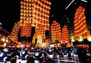 写真提供:秋田市竿燈まつり実行委員会